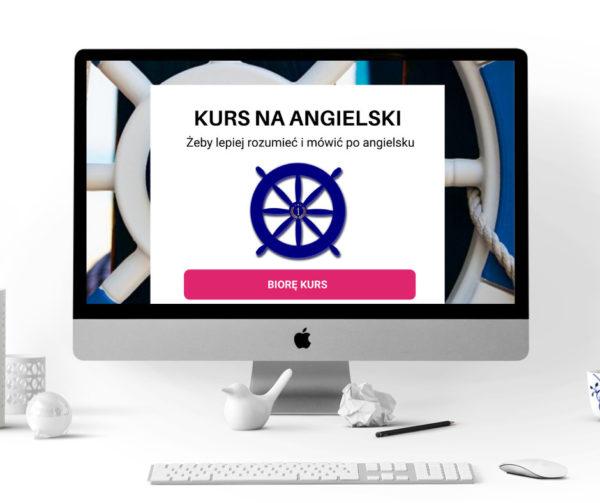 Monitor Apple'a, na nim tło z elementami koła sterowego, na tle plakat Kurs angielskiego online, plakat z kołem sterowym ii napisem Kurs na angielski,żeby lepiej rozumieć i mówić po angielsku, poniżej przycisk z napisem Biorę kurs